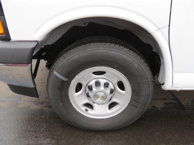 2020 Express 3500 4x2, Cutaway Van #20267 - photo 17
