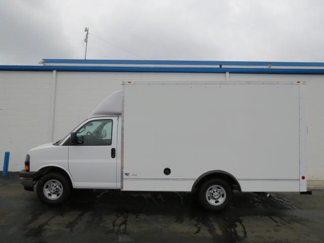 2020 Express 3500 4x2, Cutaway Van #20267 - photo 3