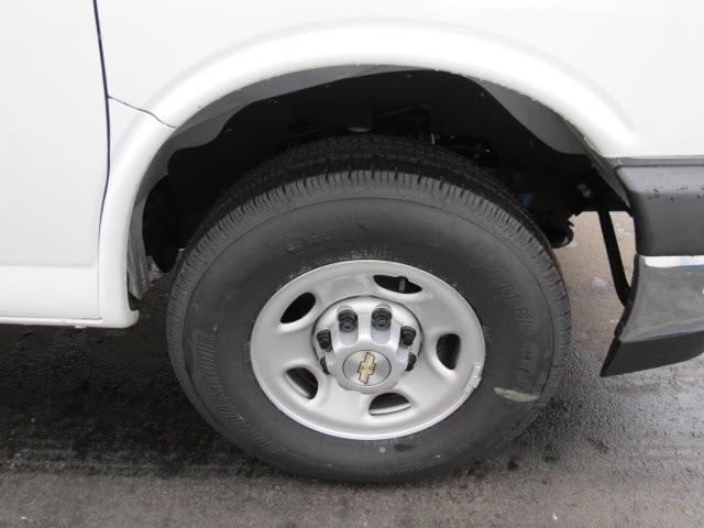 2020 Express 3500 4x2, Cutaway Van #20267 - photo 20