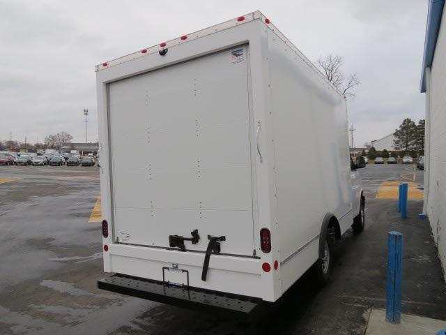 2020 Express 3500 4x2, Cutaway Van #20267 - photo 4