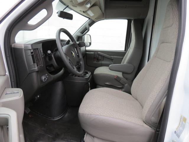 2020 Express 3500 4x2, Cutaway Van #20267 - photo 7