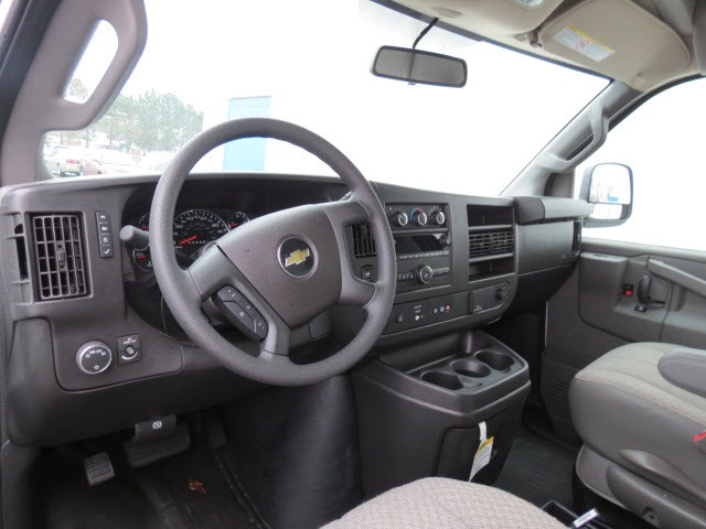 2020 Express 3500 4x2, Cutaway Van #20267 - photo 9