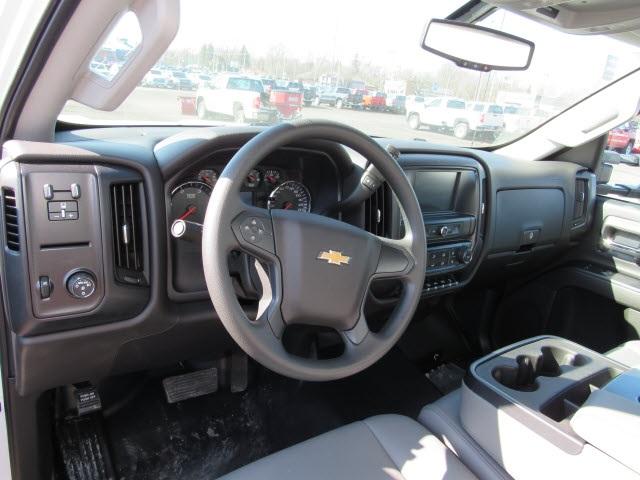 2020 Chevrolet Silverado 6500 Regular Cab DRW 4x2, Bay Bridge Sheet and Post Cutaway Van #20450 - photo 13