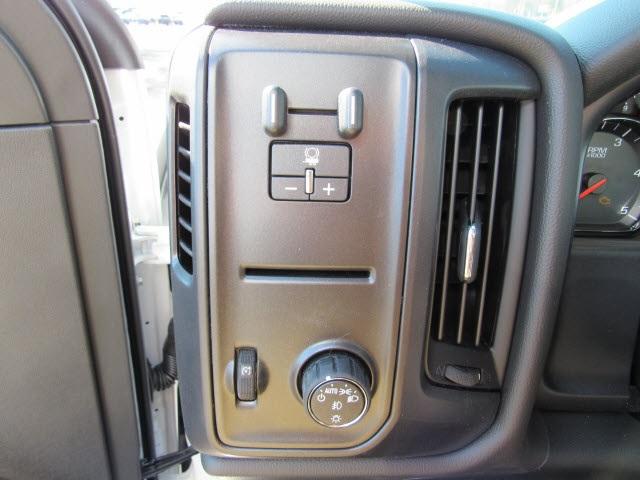 2020 Chevrolet Silverado 6500 Regular Cab DRW 4x2, Bay Bridge Sheet and Post Cutaway Van #20450 - photo 21