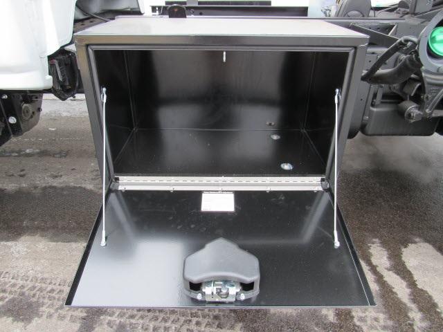 2020 Silverado 5500 Regular Cab DRW 4x4,  Rugby Z-Spec Dump Body #205461 - photo 5