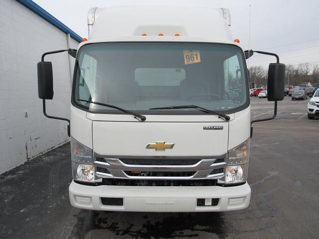 2020 Chevrolet LCF 4500 Regular Cab DRW 4x2, Bay Bridge Sheet and Post Cutaway Van #20562 - photo 8