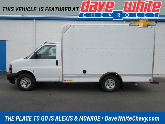 2020 Chevrolet Express 3500 4x2, Bay Bridge Cutaway Van #20915 - photo 1