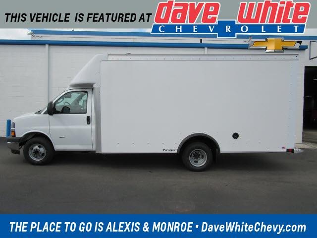 2021 Chevrolet Express 3500 4x2, Rockport Parcelport Cutaway Van #21813 - photo 1