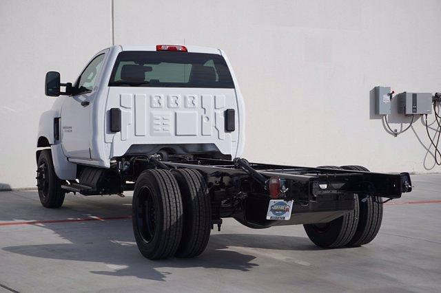 2020 Chevrolet Silverado Medium Duty Regular Cab DRW 4x2, Cab Chassis #20CF0022 - photo 4