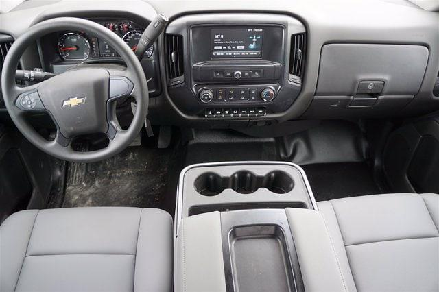 2020 Chevrolet Silverado Medium Duty Crew Cab DRW 4x4, Reading Platform Body #20CF0126 - photo 18