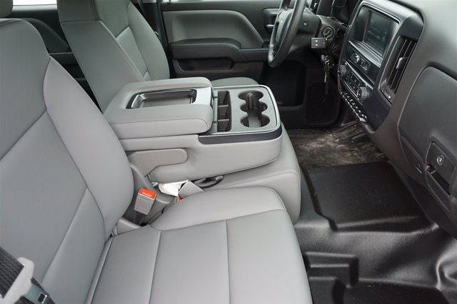 2020 Chevrolet Silverado Medium Duty Crew Cab DRW 4x4, Reading Platform Body #20CF0126 - photo 8