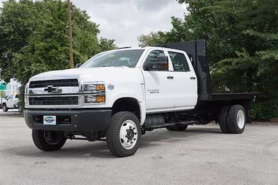 2020 Chevrolet Silverado Medium Duty Crew Cab DRW 4x4, Reading Platform Body #20CF0126 - photo 3