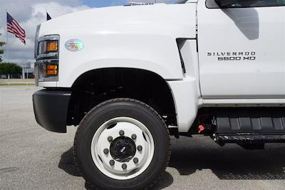2020 Chevrolet Silverado Medium Duty Crew Cab DRW 4x4, Reading Platform Body #20CF0126 - photo 5