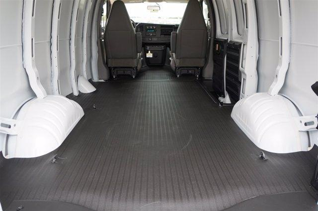 2020 Chevrolet Silverado 2500 Crew Cab RWD, Pickup #20CF0335 - photo 2