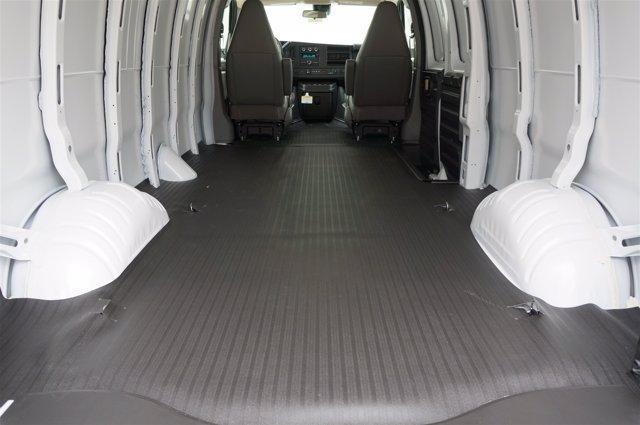 2020 Chevrolet Express 3500 RWD, Empty Cargo Van #20CF0347 - photo 2