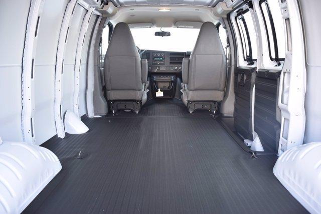 2020 Chevrolet Express 2500 4x2, Empty Cargo Van #20CF0438 - photo 2