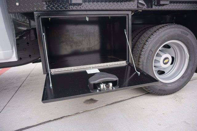 2020 Chevrolet Silverado 3500 Crew Cab DRW 4x2, CM Truck Beds RD Model Platform Body #20CF0493 - photo 21