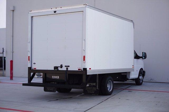 2021 Chevrolet Express 3500 4x2, Knapheide Cutaway Van #21CF0426 - photo 1