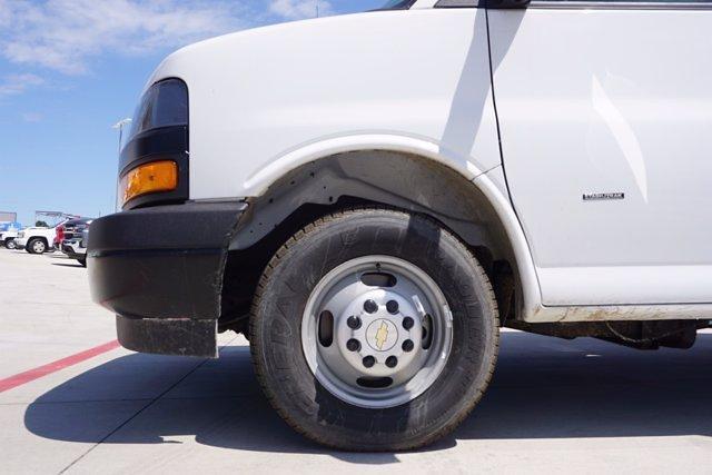 2021 Chevrolet Express 3500 DRW 4x2, Morgan Parcel Aluminum Cutaway Van #21CF0436 - photo 5