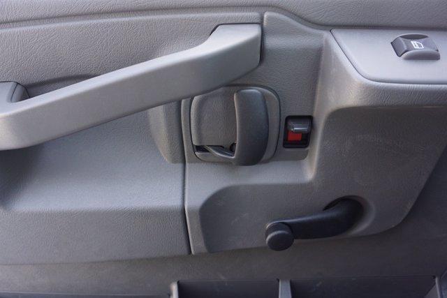 2021 Chevrolet Express 3500 DRW 4x2, Morgan Parcel Aluminum Cutaway Van #21CF0438 - photo 17