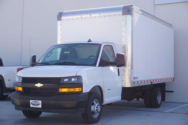 2021 Chevrolet Express 3500 DRW 4x2, Morgan Parcel Aluminum Cutaway Van #21CF0438 - photo 3