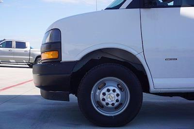 2021 Chevrolet Express 3500 DRW 4x2, Morgan Parcel Aluminum Cutaway Van #21CF0438 - photo 8