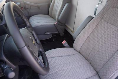2021 Chevrolet Express 3500 DRW 4x2, Morgan Parcel Aluminum Cutaway Van #21CF0438 - photo 9