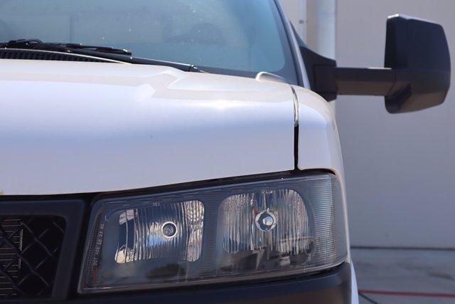 2021 Chevrolet Express 3500 DRW 4x2, Morgan Parcel Aluminum Cutaway Van #21CF0452 - photo 6