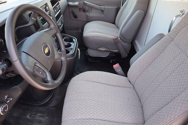 2021 Chevrolet Express 3500 DRW 4x2, Morgan Parcel Aluminum Cutaway Van #21CF0452 - photo 9