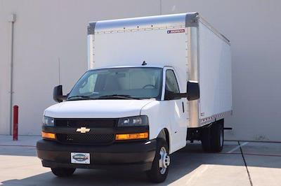 2021 Chevrolet Express 3500 DRW 4x2, Morgan Parcel Aluminum Cutaway Van #21CF0452 - photo 3