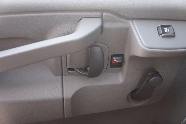 2021 Chevrolet Express 3500 DRW 4x2, Morgan Parcel Aluminum Cutaway Van #21CF0465 - photo 16
