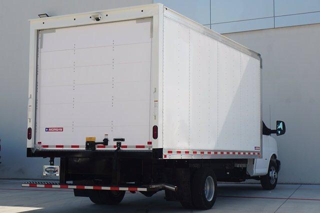 2021 Chevrolet Express 3500 DRW 4x2, Morgan Parcel Aluminum Cutaway Van #21CF0465 - photo 2