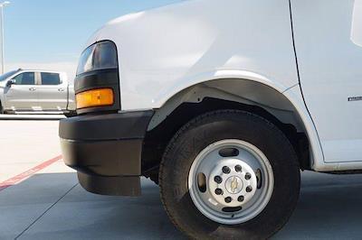 2021 Chevrolet Express 3500 DRW 4x2, Morgan Parcel Aluminum Cutaway Van #21CF0465 - photo 5