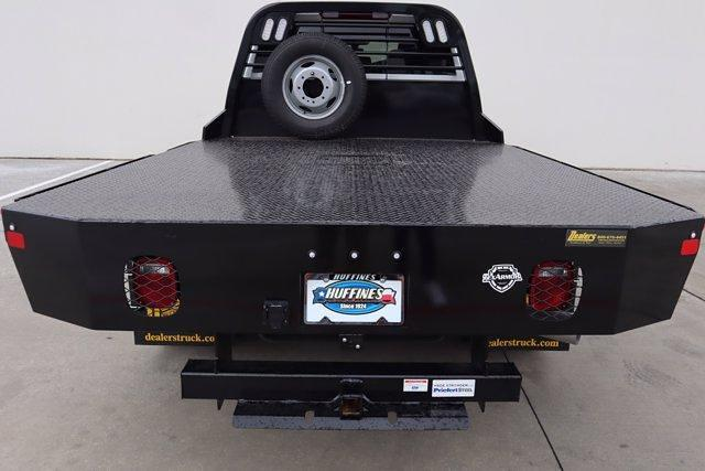 2021 Chevrolet Silverado 3500 Crew Cab 4x4, CM Truck Beds Dealers Truck Platform Body #21CF0599 - photo 20