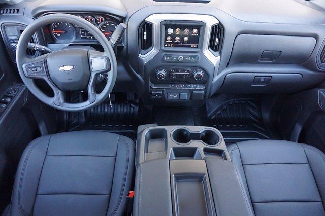 2021 Chevrolet Silverado 1500 Crew Cab 4x2, Pickup #21CF0632 - photo 17