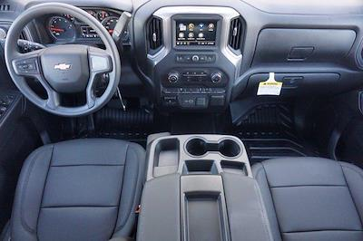 2021 Chevrolet Silverado 3500 Crew Cab 4x4, CM Truck Beds Dealers Truck Platform Body #21CF0685 - photo 17