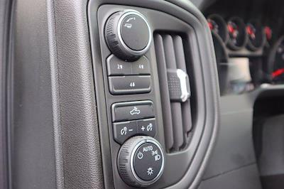 2021 Chevrolet Silverado 3500 Crew Cab 4x4, CM Truck Beds RD Model Platform Body #21CF0747 - photo 18