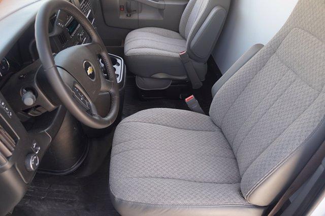 2021 Chevrolet Express 3500 DRW 4x2, Knapheide Cutaway Van #21CF0783 - photo 8