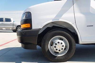 2021 Chevrolet Express 3500 DRW 4x2, Knapheide Cutaway Van #21CF0783 - photo 5