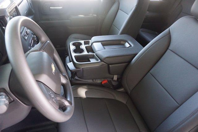 2021 Chevrolet Silverado 3500 Crew Cab AWD, Knapheide PGNB Gooseneck Platform Body #21CF0843 - photo 8