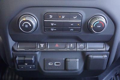2021 Chevrolet Silverado 3500 Crew Cab AWD, Knapheide PGNB Gooseneck Platform Body #21CF0843 - photo 13