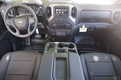 2021 Chevrolet Silverado 3500 Crew Cab AWD, Knapheide PGNB Gooseneck Platform Body #21CF0843 - photo 17