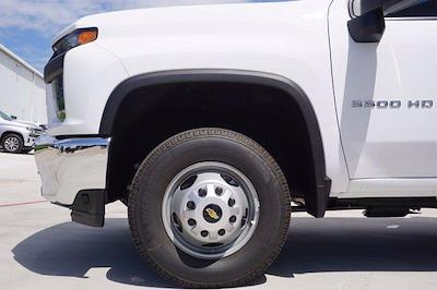 2021 Chevrolet Silverado 3500 Crew Cab AWD, Knapheide PGNB Gooseneck Platform Body #21CF0843 - photo 5