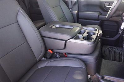 2021 Chevrolet Silverado 3500 Crew Cab AWD, Knapheide PGNB Gooseneck Platform Body #21CF0843 - photo 9