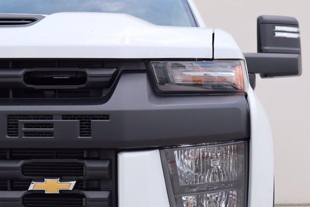 2021 Chevrolet Silverado 2500 Crew Cab 4x4, Pickup #21CF0911 - photo 4