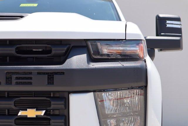 2021 Chevrolet Silverado 2500 Crew Cab 4x4, Pickup #21CF0918 - photo 4