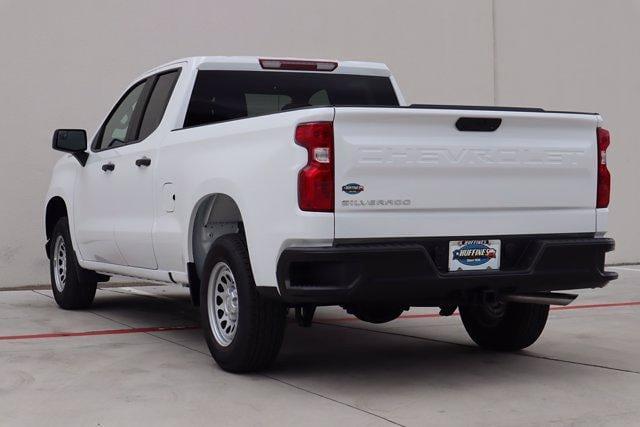 2021 Chevrolet Silverado 1500 Double Cab 4x2, Pickup #21CF0927 - photo 2
