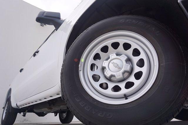 2021 Chevrolet Silverado 1500 Crew Cab 4x2, Pickup #21CF0935 - photo 3