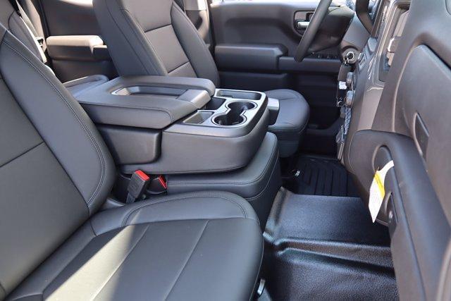 2021 Chevrolet Silverado 1500 Crew Cab 4x2, Pickup #21CF1029 - photo 10