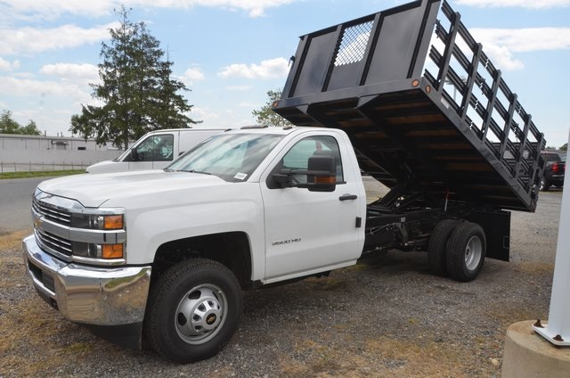 2016 Silverado 3500 Regular Cab 4x4, Landscape Dump #C61143 - photo 3
